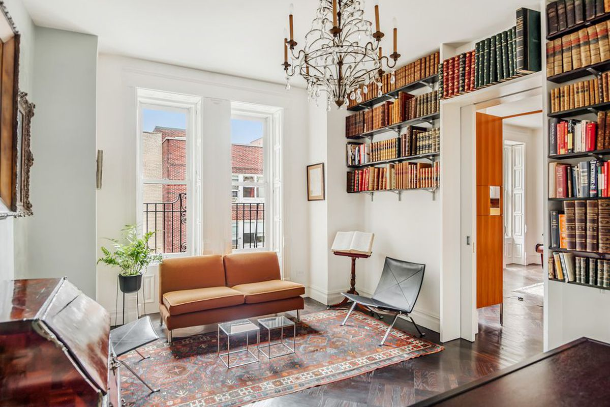 Elegant upper east side apartment in a 19th century for Upper east side apartments for sale