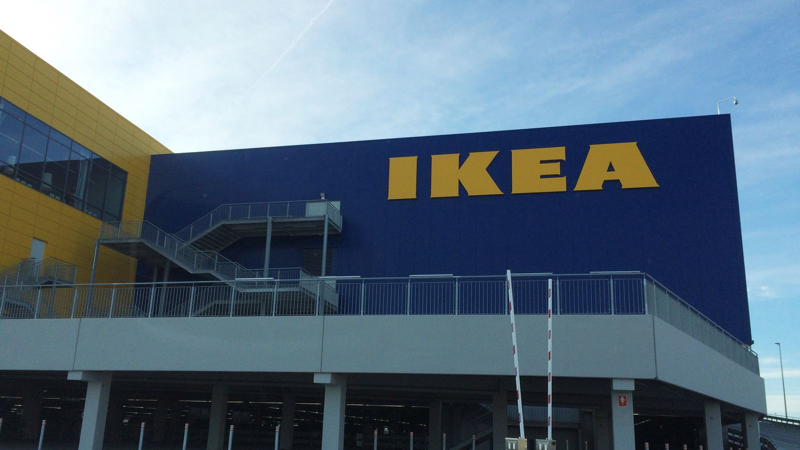 ikea 39 s new us store will be bigger than 8 football fields. Black Bedroom Furniture Sets. Home Design Ideas