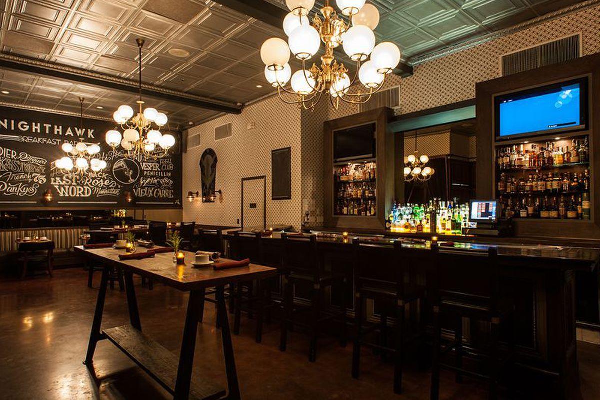 Nighthawk: Breakfast Bar, Hollywood
