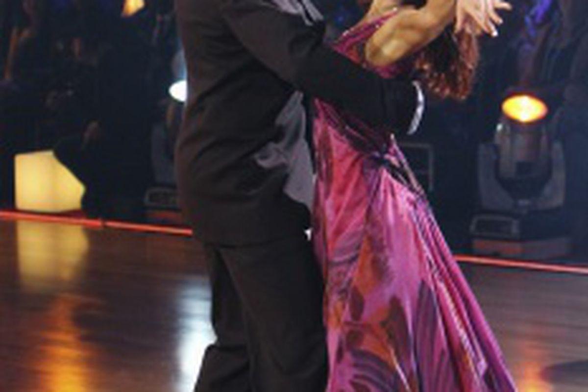 "Kurt Warner on ABC's ""Dancing With the Stars""  via <a href=""http://i.azcentral.com/i/sized/4/1/0/e298/j350/PHP4C98BDA3CC014.jpg"">i.azcentral.com</a>"