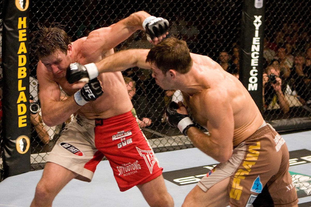 Forrest Griffin punches Stephan Bonnar (GettyImages)