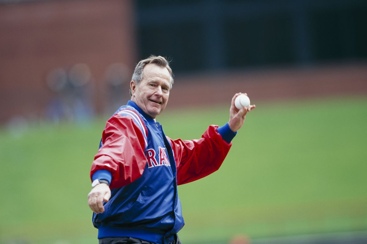 George H. W. Bush throws first pitch on April 3, 2000