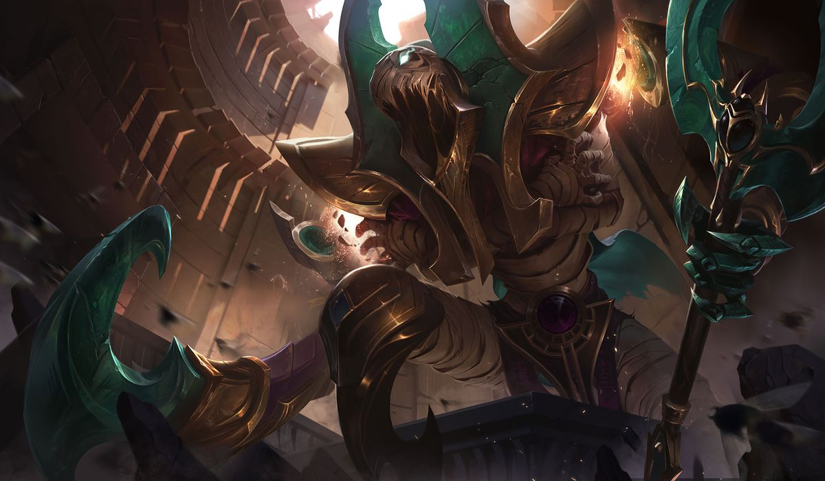 Risen Fiddlesticks screeches while adorned in gold and jade