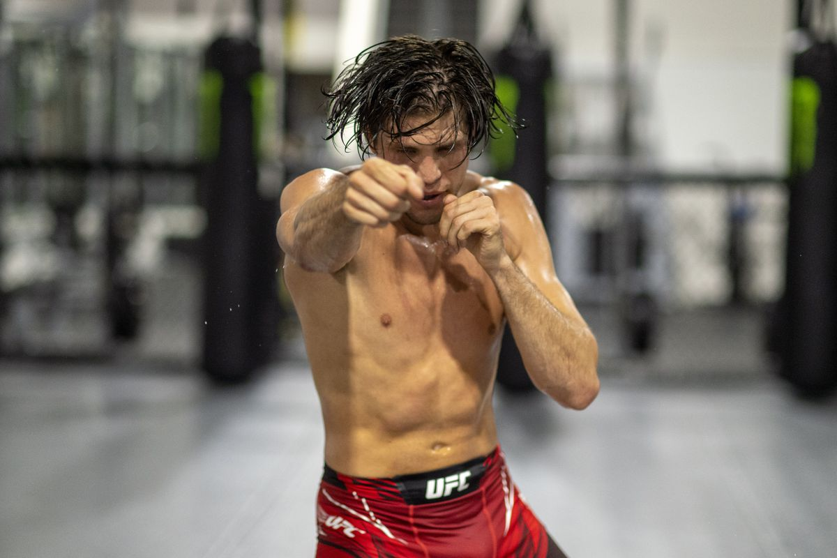 Brian Ortega training at the Huntington Beach Ultimate Training Center, Friday, Sept. 17, 2021. Ortega will face UFC champion Alexander Volkanovski at UFC 266 on Sept. 25 in Las Vegas for the title.