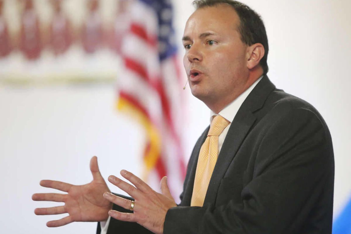 Addressing an interdenominational audience of 2,500 government leaders from around the world Thursday night, Sen. Mike Lee offered a candid recollection of his late father, former Solicitor General Rex E. Lee.