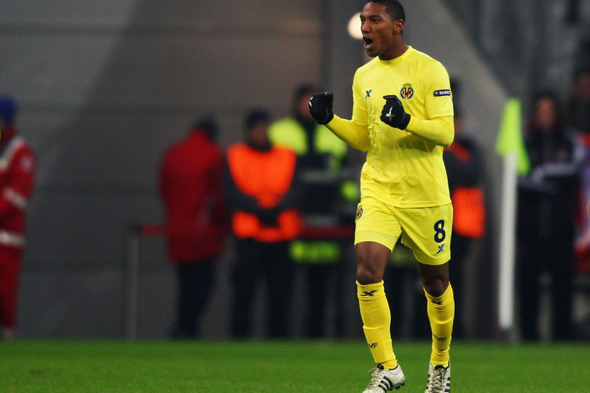 I know that Yellow and Red really do clash but could Jonathan De Guzman seriously be considering Canada after all these years of breaking our hearts?
