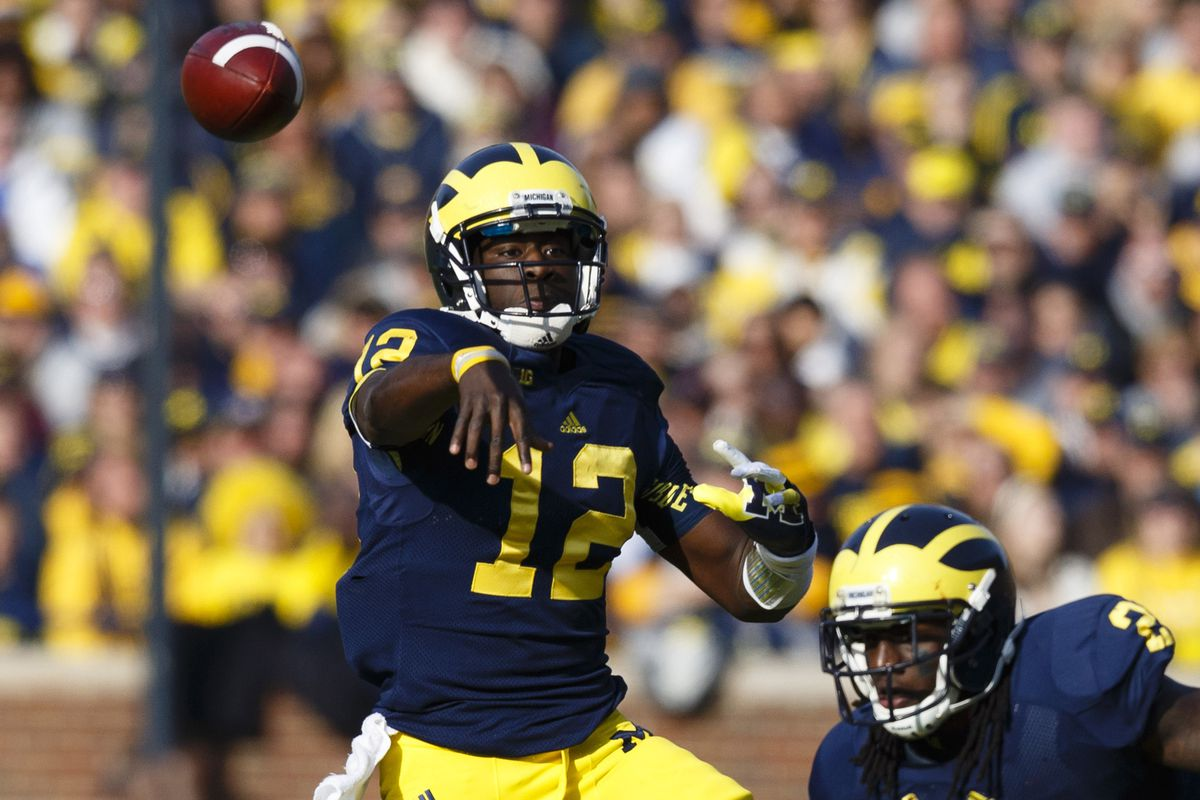A combination of Devin Gardner and Denard Robinson stand between Ohio State and 12-0.