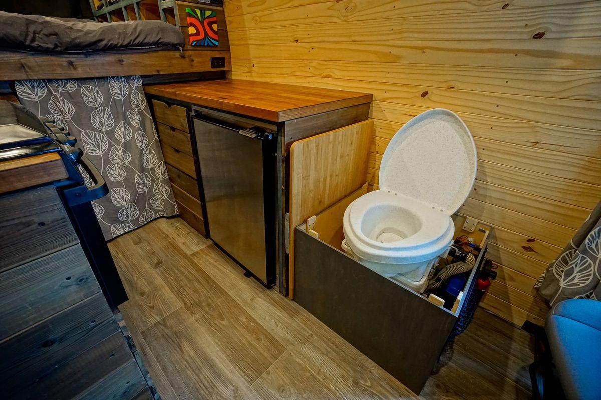 Diy Camper Van Cost Just 18k To Build Curbed