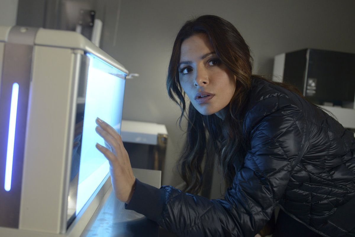 Nbc S New Vr Thriller Reverie Is A Schmaltzy Take On Techno Dystopia