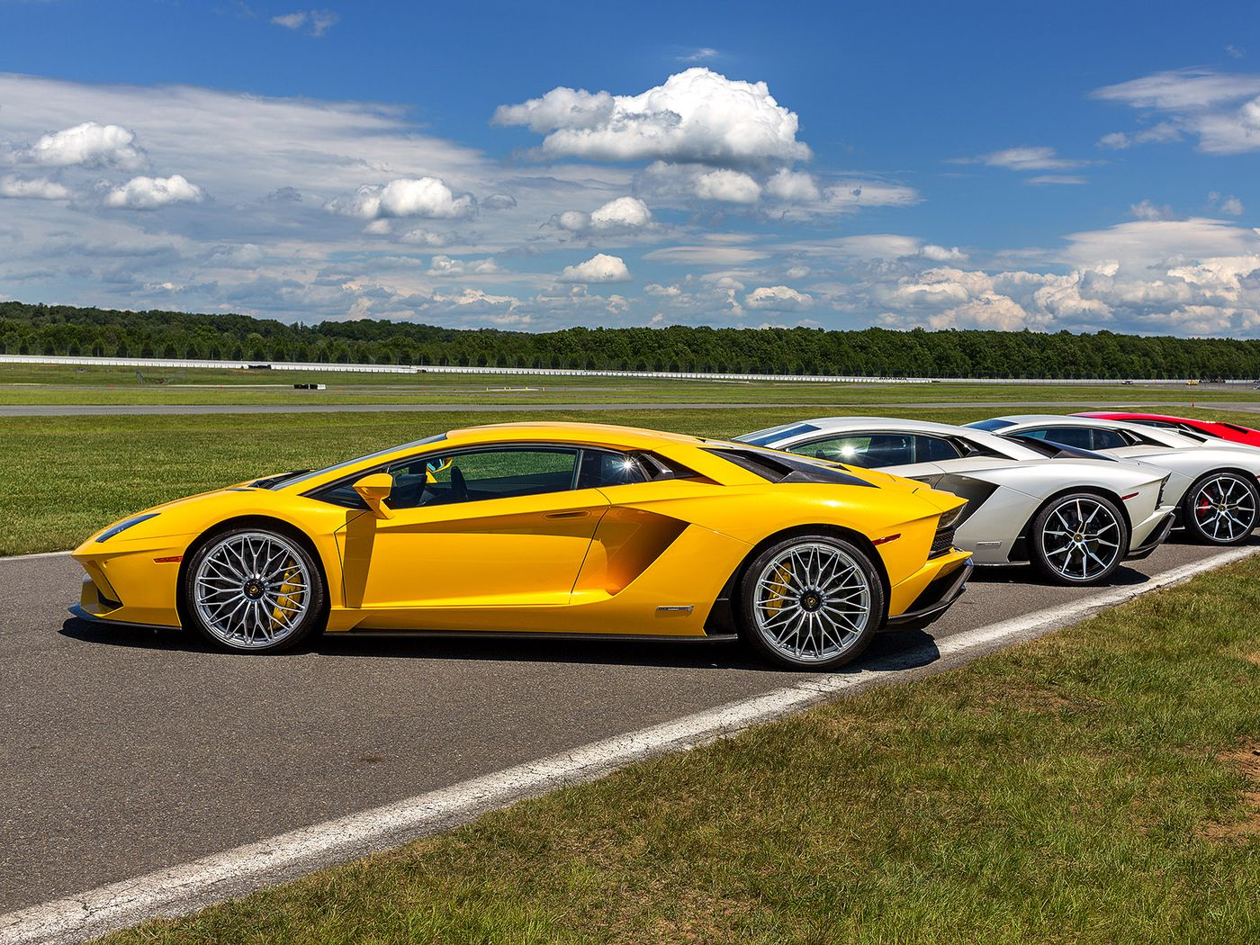 The Lamborghini Aventador S Is Music For An Ultra Luxury Car Lovers Go Back Gt Gallery Electrical Circuit Symbols Ears Verge