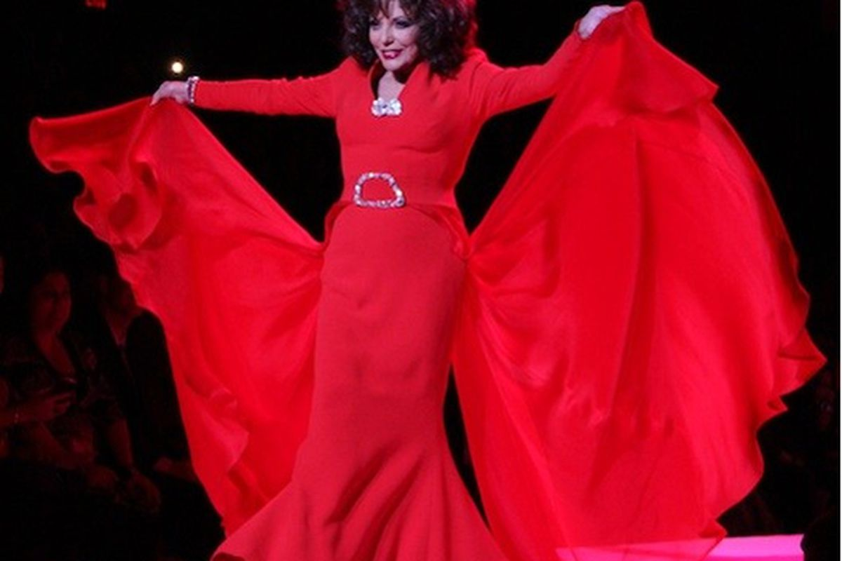 Joan Collins shows us how it's done at last year's Heart Truth Red Dress show
