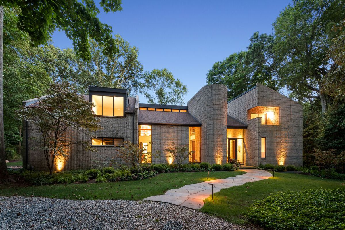 1974 Brutalist Home Just Outside Nyc Wants 2 2m Curbed