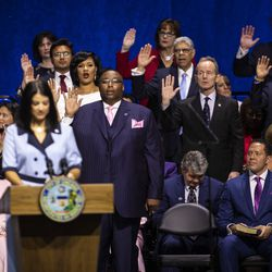 City Clerk Anna Valencia administers the oath of office to members of the Chicago City Council during the city's inauguration ceremony at Wintrust Arena, Monday morning, May 20, 2019.