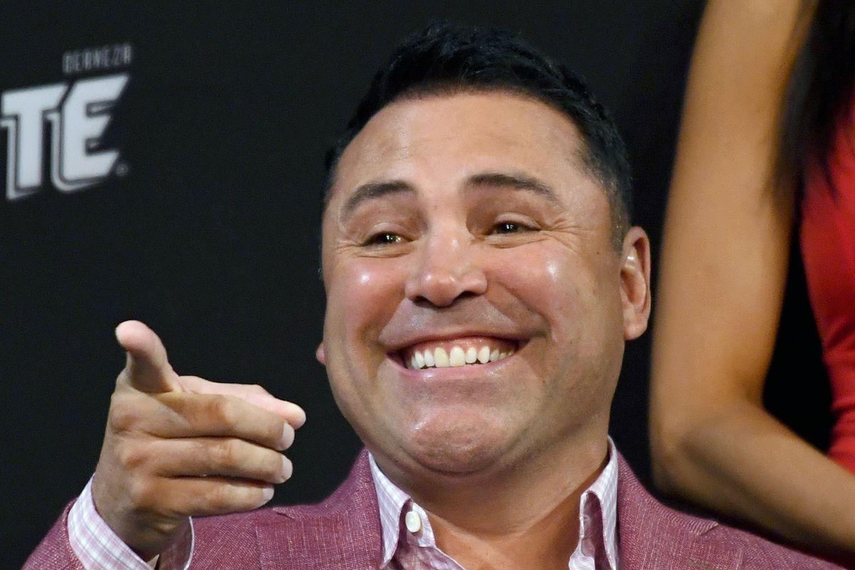 Vitor Belfort opens up as a slight betting favorite over Oscar De La Hoya