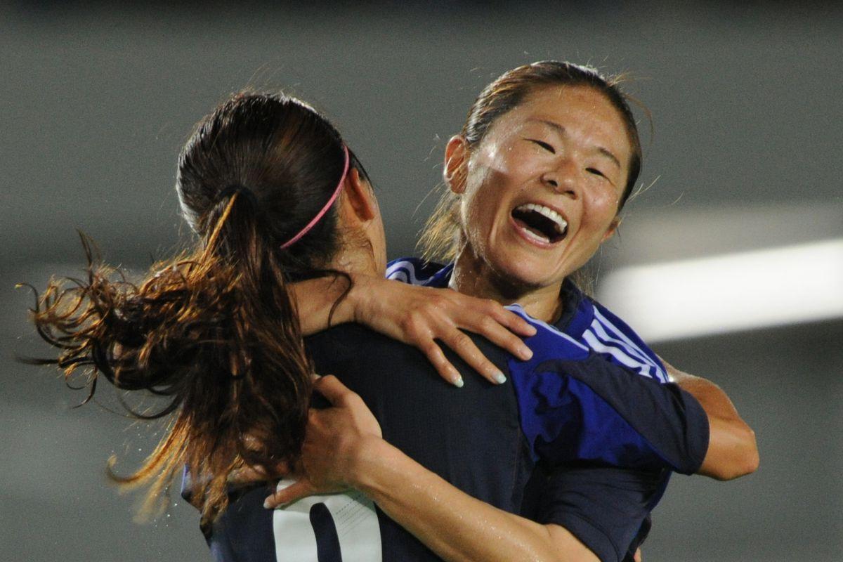 Japanese International Nahomi Kawasumi scored a pair of goal--including the game-winner--on Sunday.