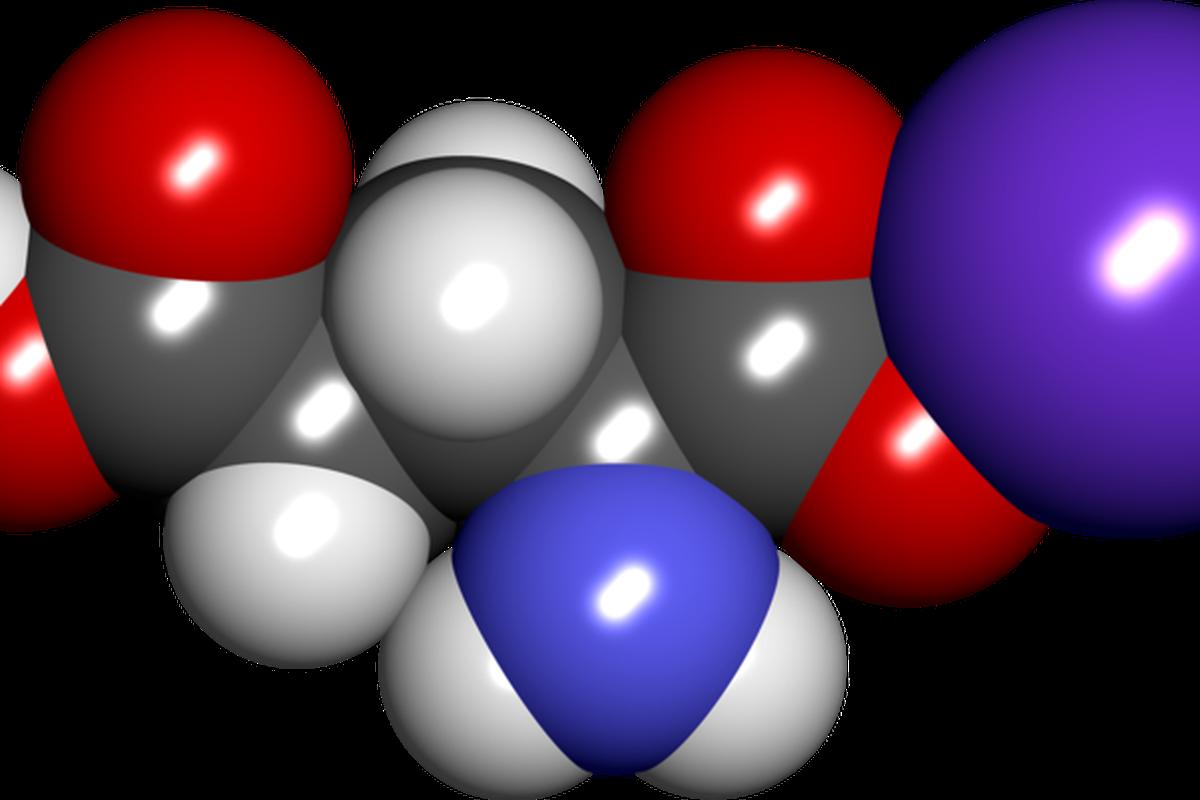 "via <a href=""http://upload.wikimedia.org/wikipedia/commons/thumb/d/dd/Monosodium_glutamate_spacefill.png/800px-Monosodium_glutamate_spacefill.png"">upload.wikimedia.org</a>"