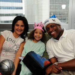 Nick Anderson visits children at the Walt Disney Pavilion at Florida Hospital for Children