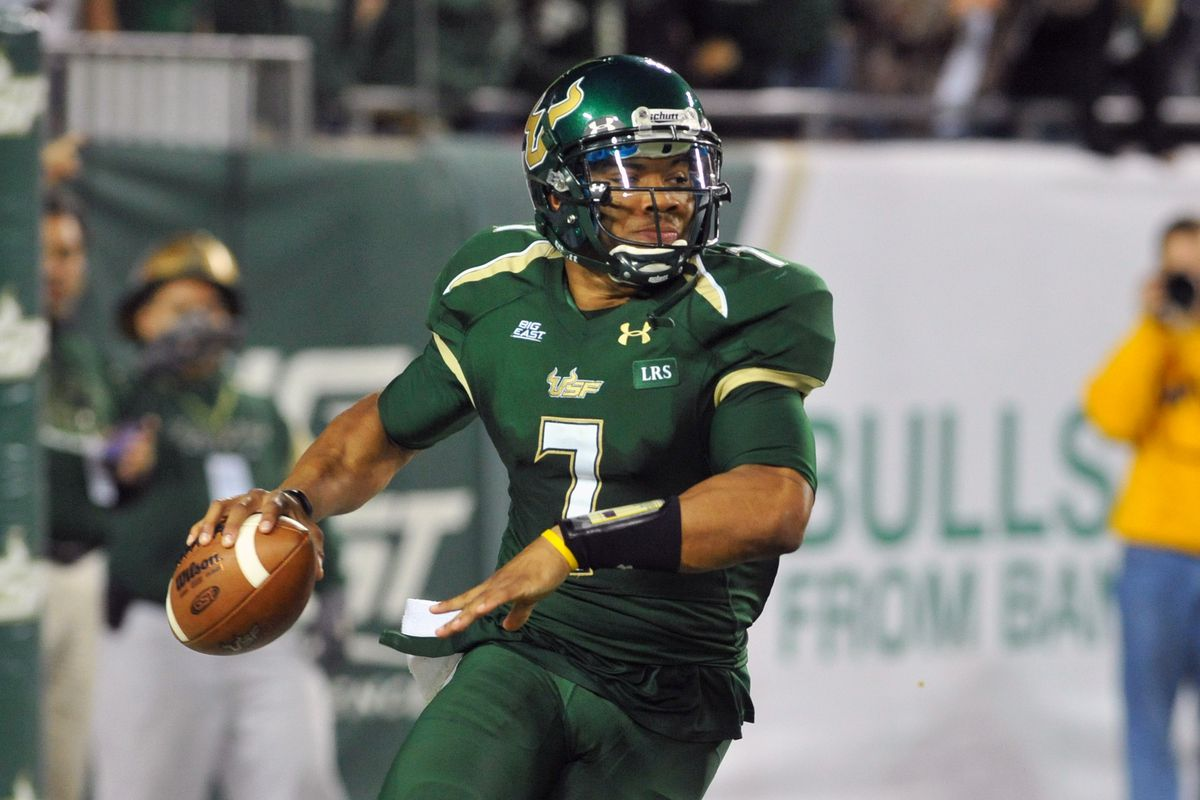 West Virginia Mountaineers v South Florida Bulls
