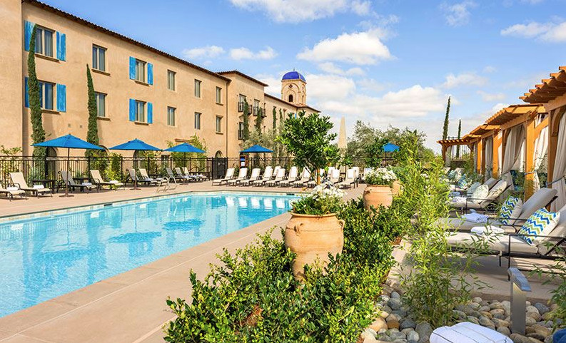 The pool at Allegretto Vineyard Resort in Paso Robles