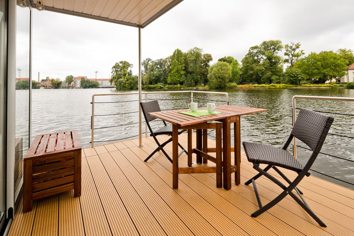 Nautilus Hausboote Berlin modern houseboats let you live your best water curbed