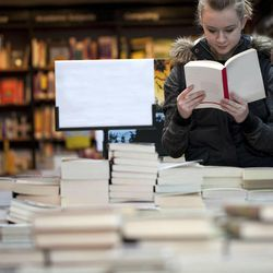 As Borders closes and Barnes & Noble tries to learn how to adopt to the modern economy, it seems as if local (indie) bookstores are making a comeback in a big way.