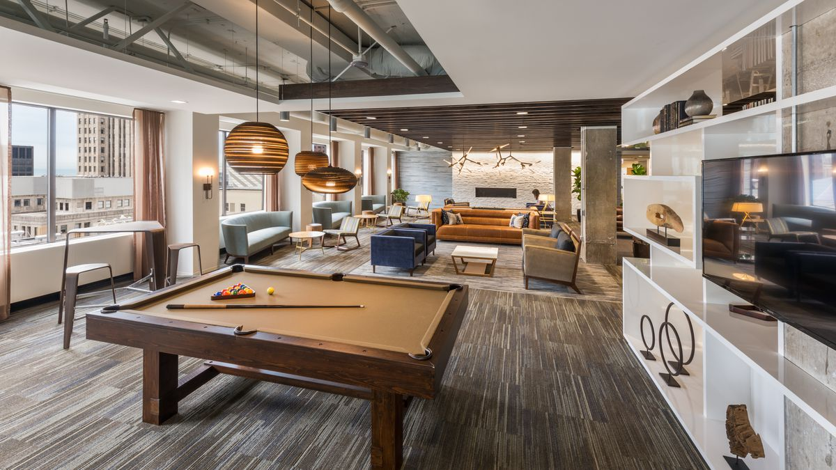 Today S Offices Are Taking Design Cues From Hotels And Homes