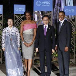 In <b>Vera Wang</b> at the APEC summit committee in Honolulu, Hawaii on November 12, 2011