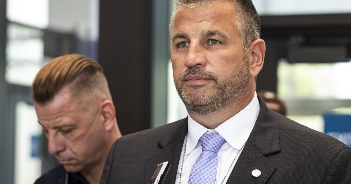 Chicago police union leader pushing a '21 century blue flu'