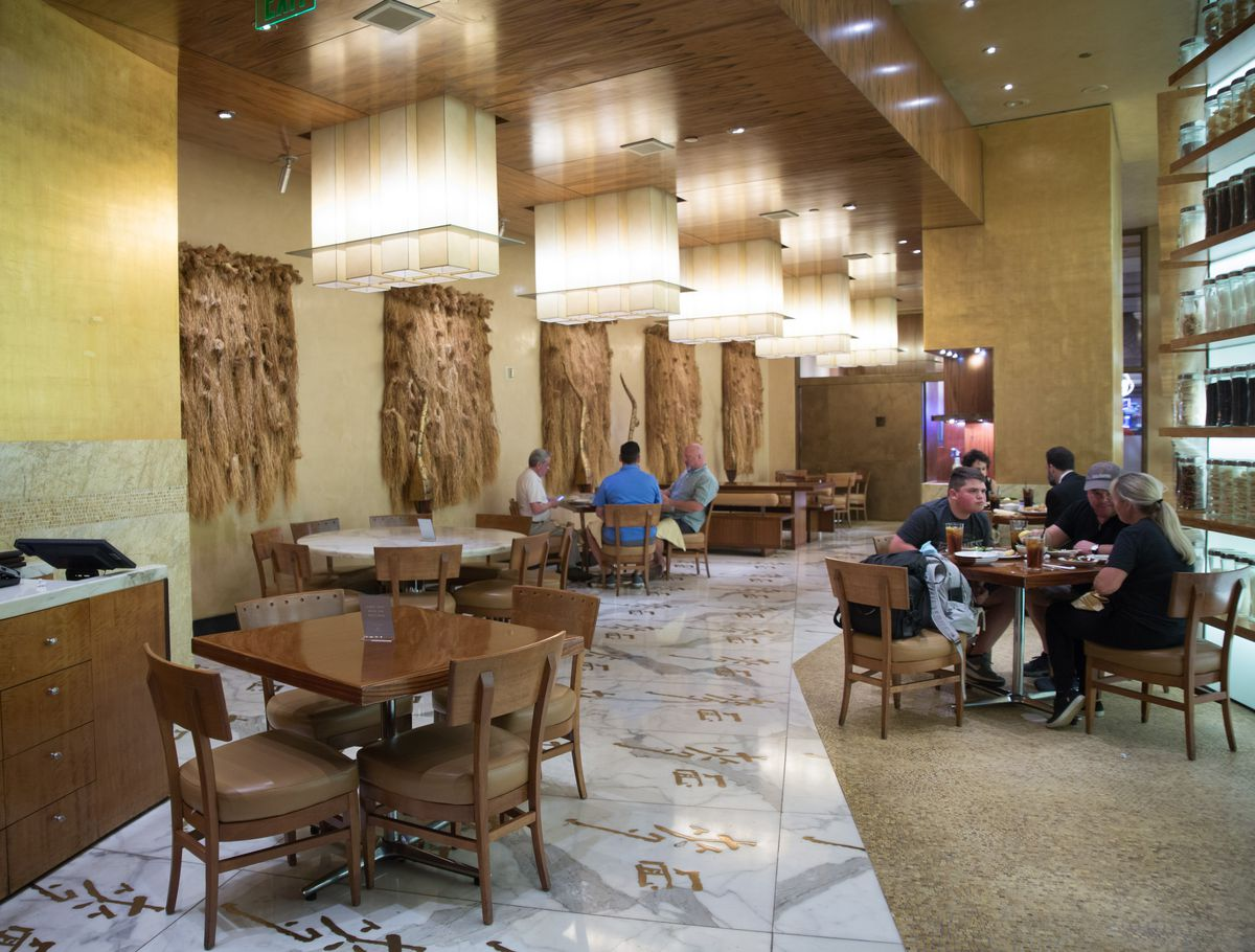 A look at the lunch crowd at Noodles at the Bellagio on June 4