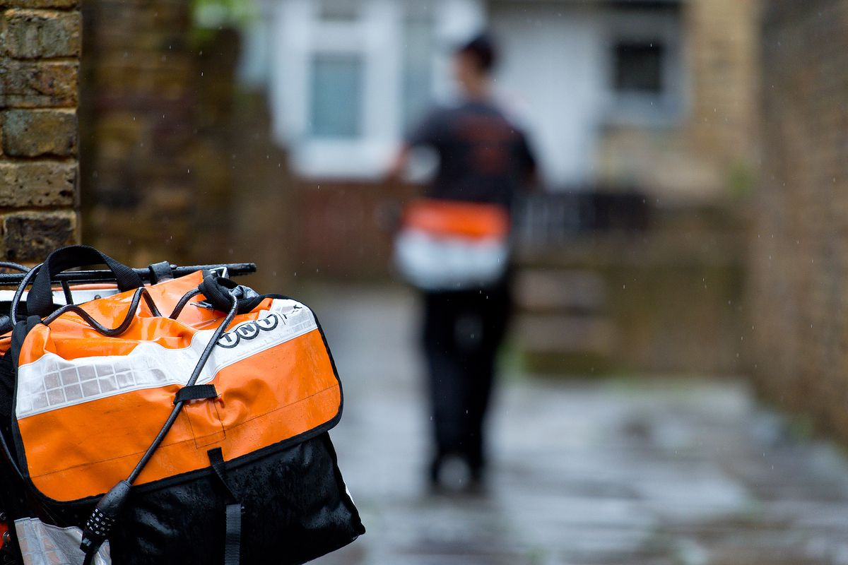 TNT Post Service Increases Its Delivery Service
