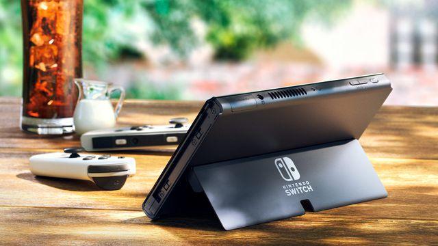 New Nintendo Switch model has the same ol' Joy-Cons