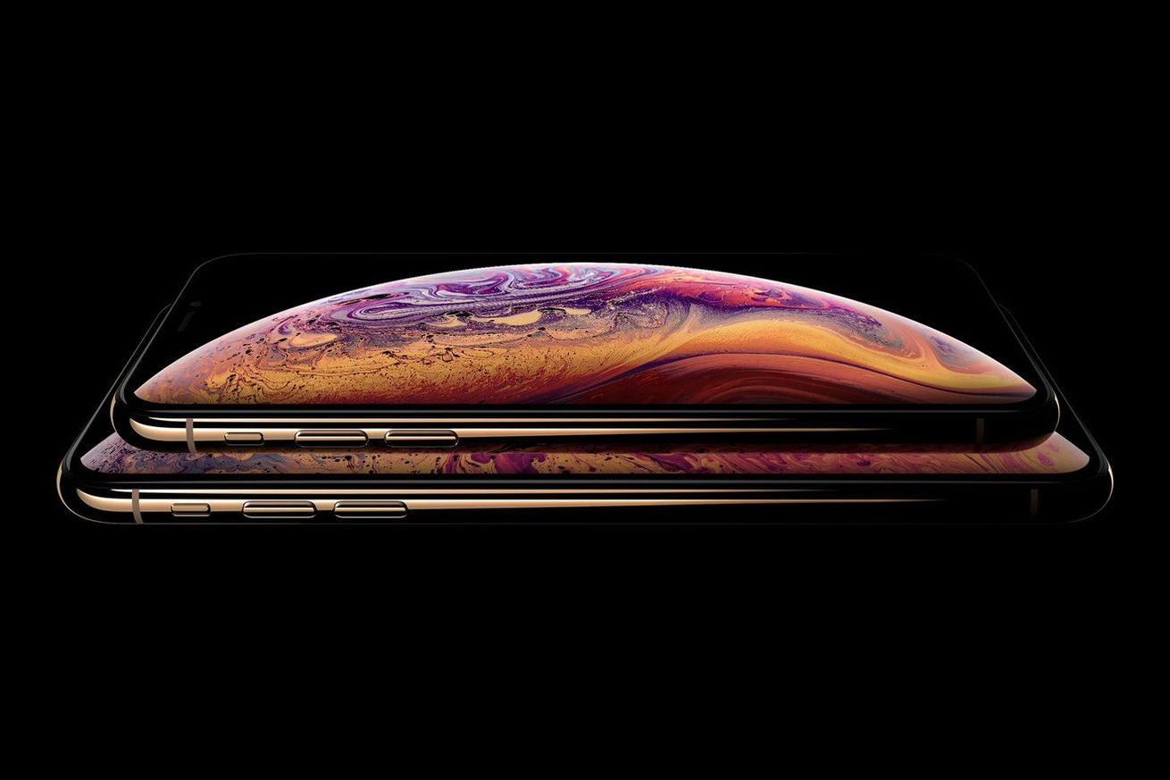 the iphone xs max is outselling the iphone xs according to analyst report