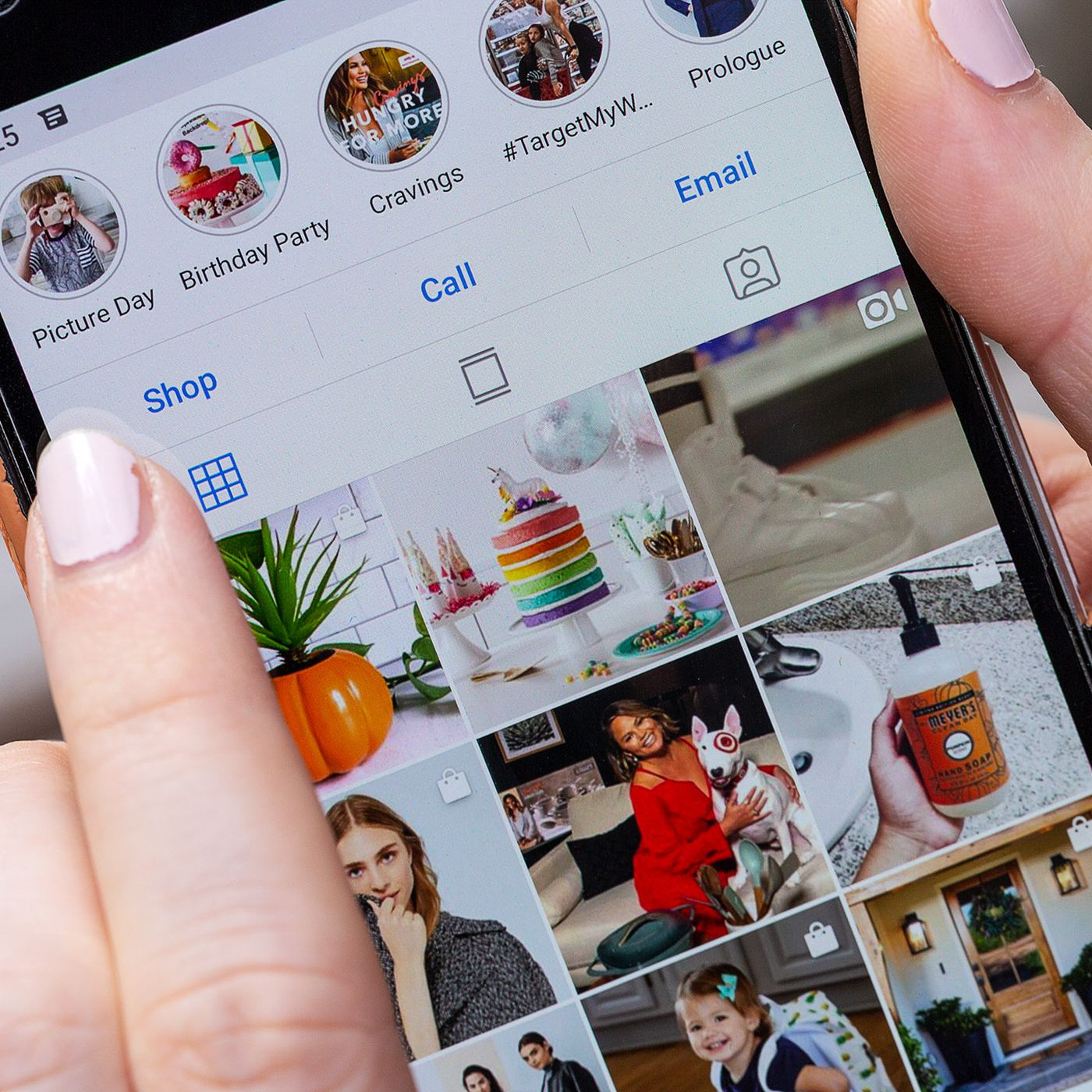 Instagram says sites need photographers' permission to embed posts - The  Verge