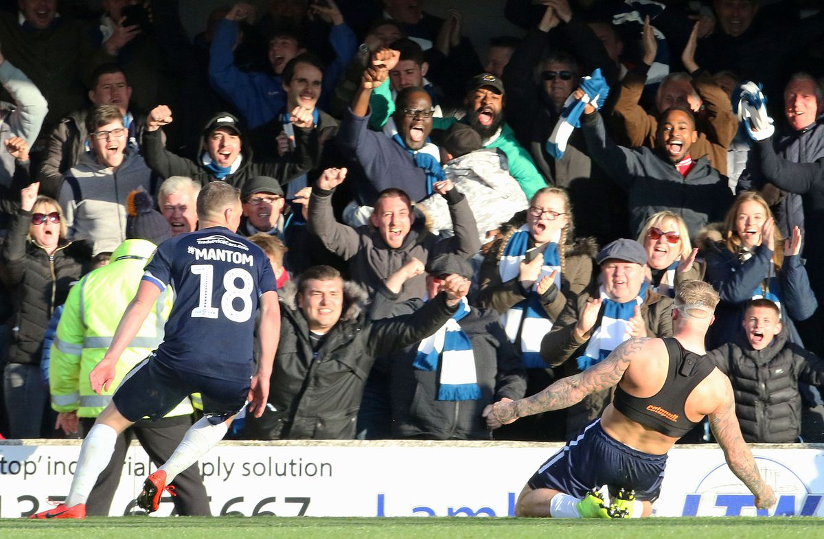 Southend United v Sunderland - Sky Bet League One