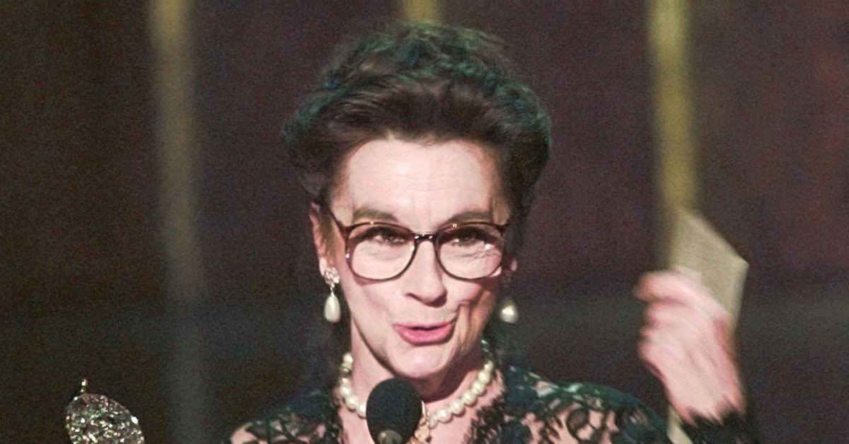 Actress Zoe Caldwell, Tony Award winner for 'Medea,' dies at 86