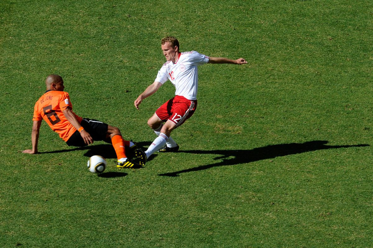 Nigel de Jong in action during Holand's 2-0 victory over Denmark in Group E. (Picture from Getty images)