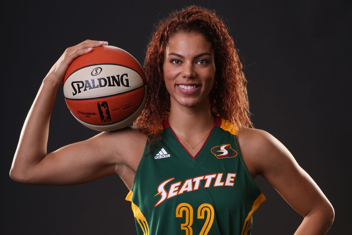 Alysha Clark sets a career high with 20 points in a loss to the Minnesota Lynx
