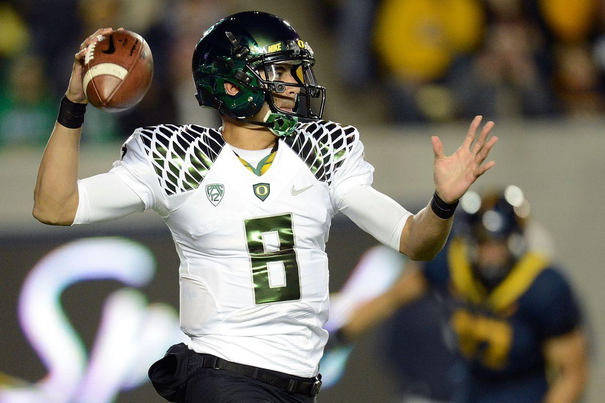 brand new 5df06 22fcd Oregon vs. Cal 2012 video highlights: Marcus Mariota keeps ...