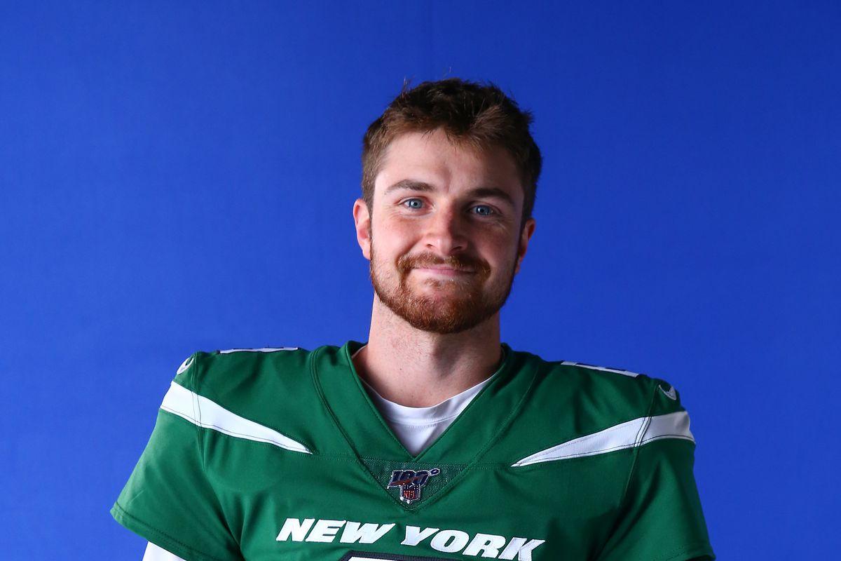 release date: 667a4 772da Scouting Jets quarterback Luke Falk - Gang Green Nation