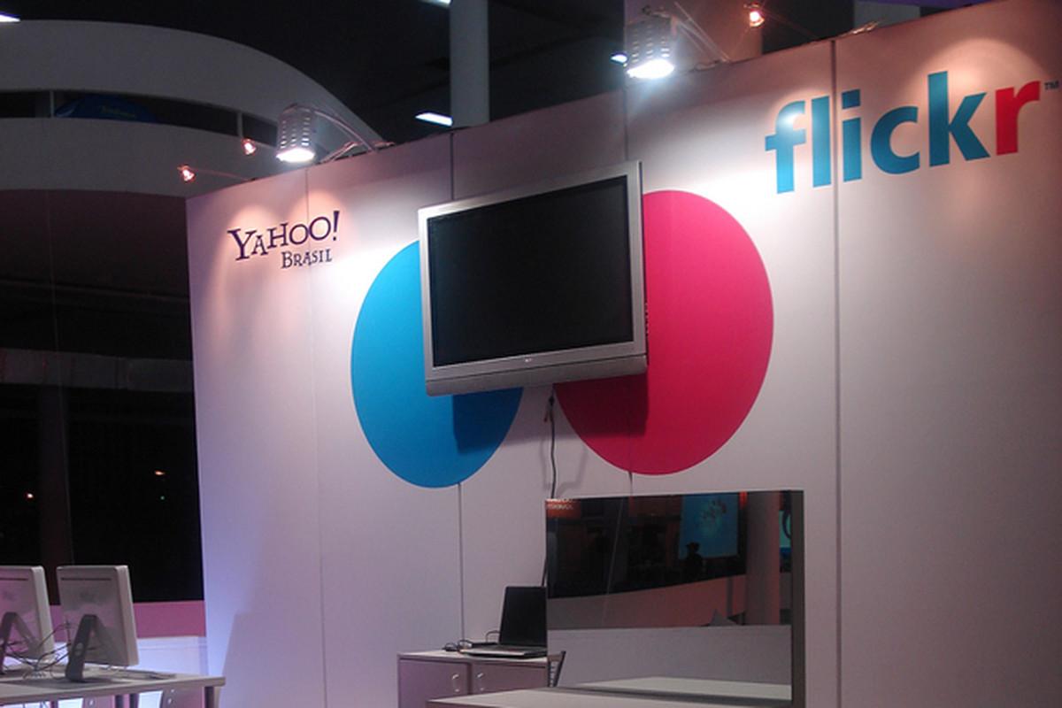 """via <a href=""""http://dl.dropbox.com/u/118445/Flickr_Yahoo.png"""">dl.dropbox.com</a>"""