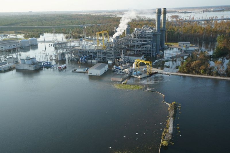 CombinedCycleSite Hog manure is spilling out of lagoons because of Hurricane Florence's floods