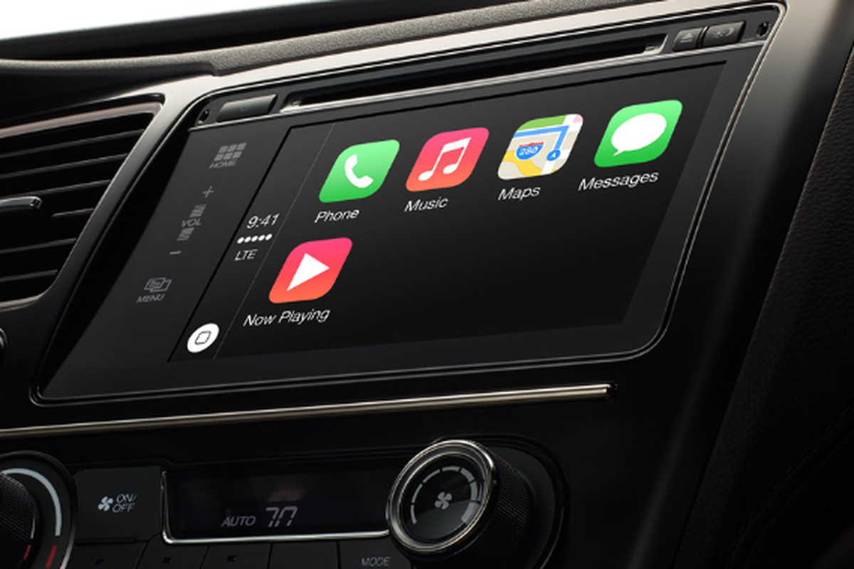 Apple Gives CarPlay a Spin at Code/Mobile (Video)
