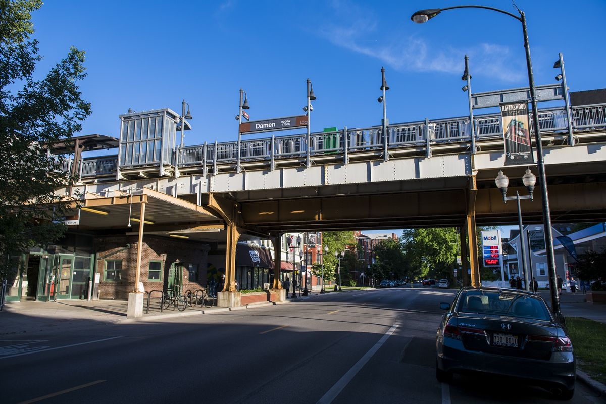 Damen Brown Line CTA station in the 4600 block of North Damen Avenue in Ravenswood.   Tyler LaRiviere/Sun-Times