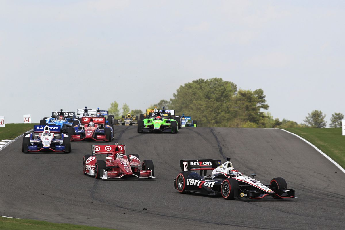 Will Power leads Scott Dixon, Helio Castroneves, Graham Rahal and Simon Pagenaud at the Honda Indy Grand Prix of Alabama at Barber Motorsports Park on April 1, 2012. (INDYCAR/LAT USA)