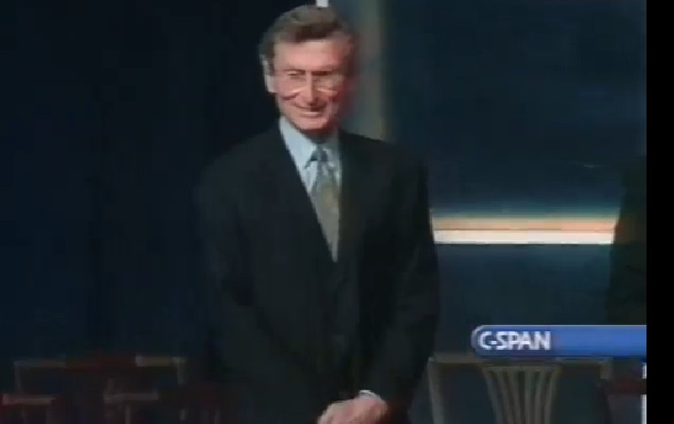 Lewis Manilow at the National Medal of Arts award ceremony Dec. 20, 2000. | C-SPAN