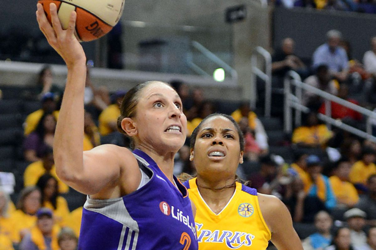 Phoenix Mercury guard Diana Taurasi was masterful as a scorer and distributor in the first round against the L.A. Sparks.