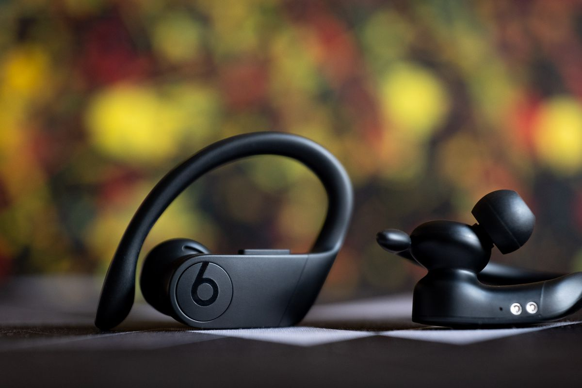 Beats Powerbeats Pro Truly Wireless Headphones Are 50 Off Right Now The Verge