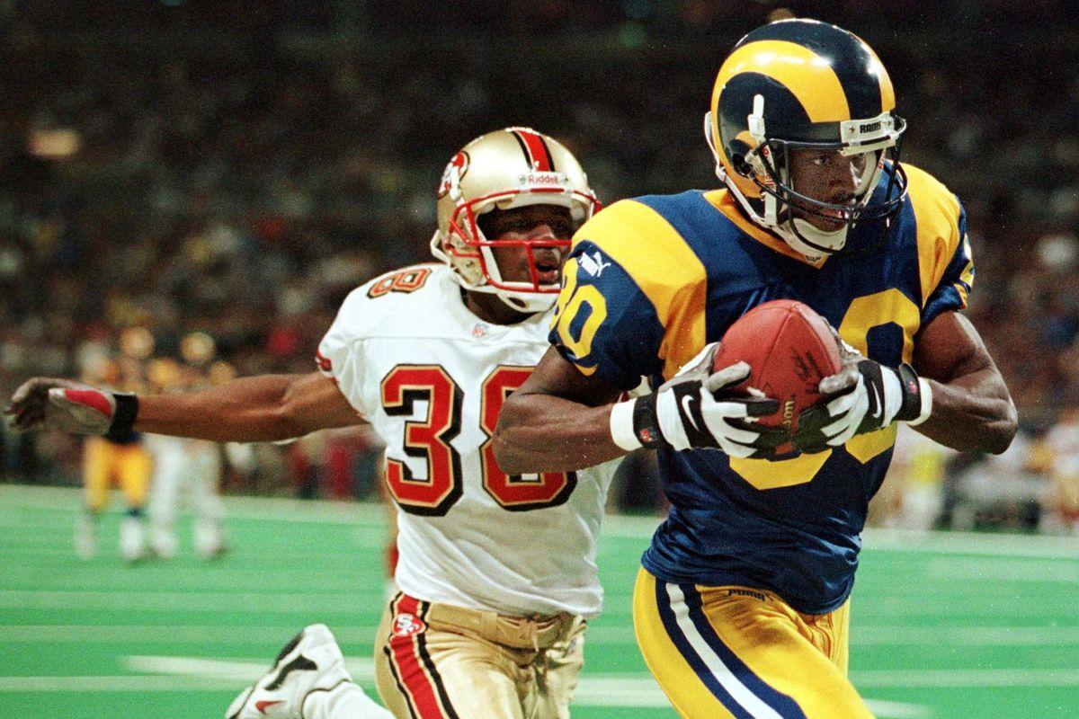 San Francisco 49er cornerback Darnell Walker (L) c