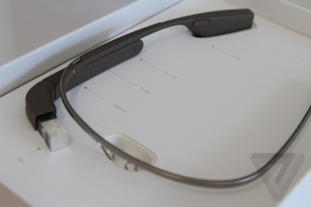 Google Glass box (560px)