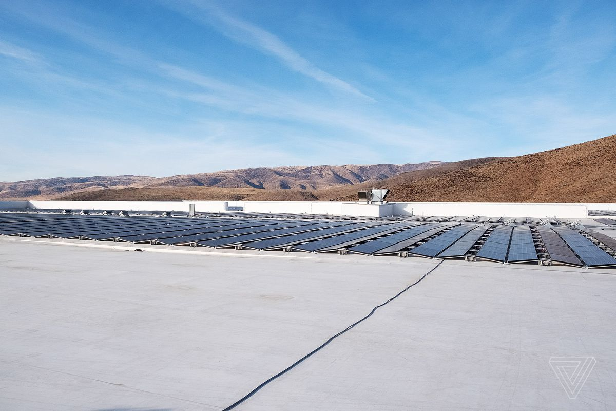 Tesla Will Live And Die By The Gigafactory Verge Solar Power 2nd Edition Upgrades Battery Bank Wiring Youtube Panels On Roof Of Aims To Cover Entire Top Facility With In Order Someday Operate Off Grid